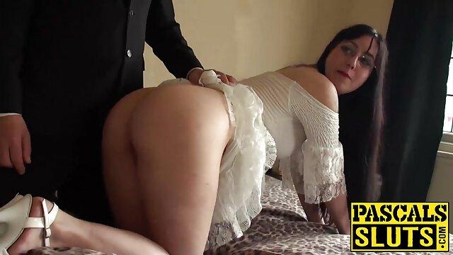 آنا Deville می شود توسط یک دانلود فیلم سینمایی سکسی بزرگسالان گل میخ سیاه و سفید